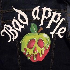 Bad Apple - poison apple vest